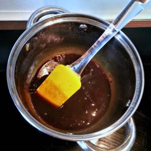 Favorite liquorice melting and turning into a delicious syrup | Yndlingslakrids smeltes og bliver til en lækker, intens sirup