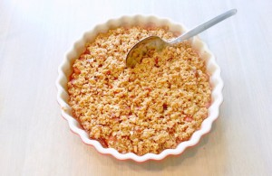 Rhubarb Crumble with Vanilla and Almonds