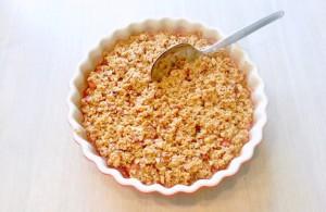 Rabarbercrumble med vanilje og mandler