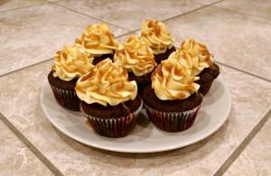 Chokoladecupcakes med karamel-frosting