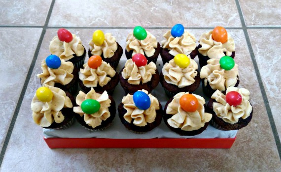m&m cupcakes peanutbutter frosting