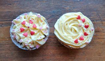 red velvet cupcakes med cream cheese frosting